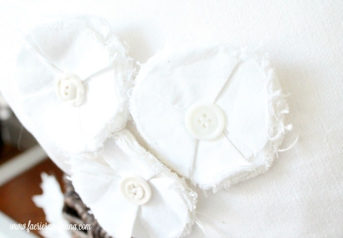 How to make shabby chic flowers on a cushion cover design.