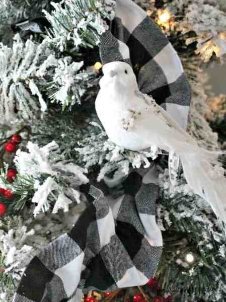 DIY wired ribbon for Christmas on a Christmas tree in white and black buffalo check