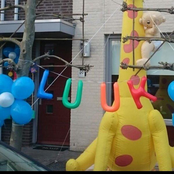 Inflatable letters & cijfers (te koop)