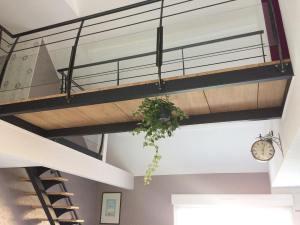 Petite nouvelle suspendue    lamaisondefafaille inboatathome decoration interieurhellip