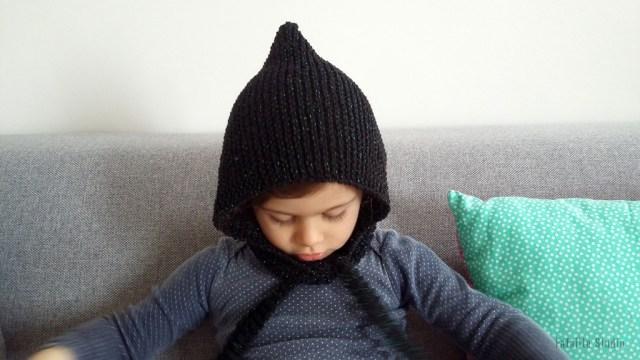 Tricoter un béguin à paillettes en coton
