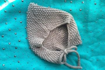 Tricoter béguin au point de riz