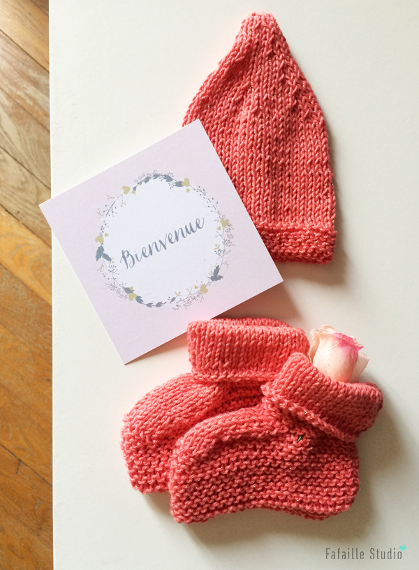 Tricoter un ensemble pour nouveau-né