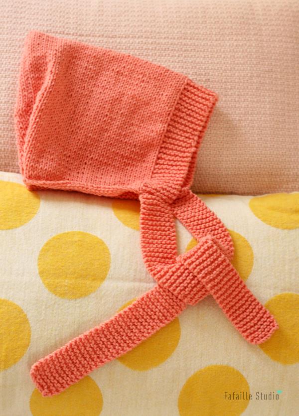 Tricoter un béguin rétro