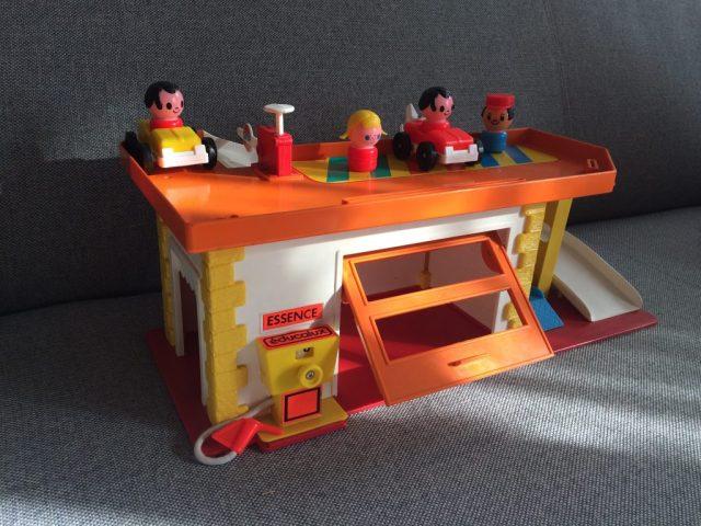 Garage Educalux vintage chiné pour ses 1 an