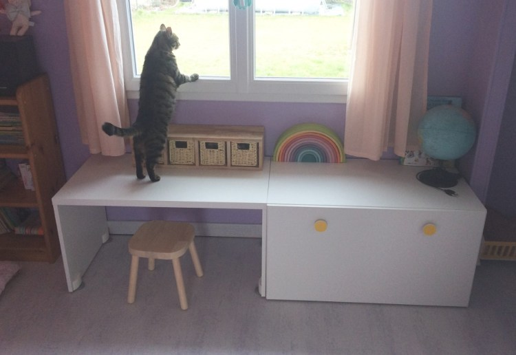étagère corbeilles Montessori