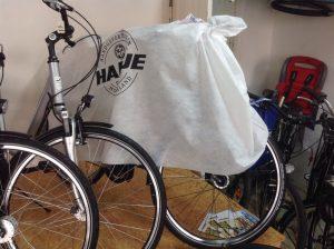 verhülltes Hartje-Manufaktur-Fahrrad