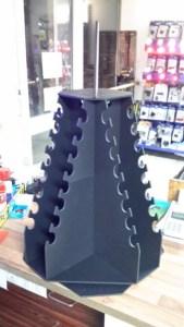 schwarze Pyramidenkonstruktion