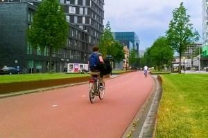 Fahrradhighway von und zum Unicampus in Utrecht (Niederlande)