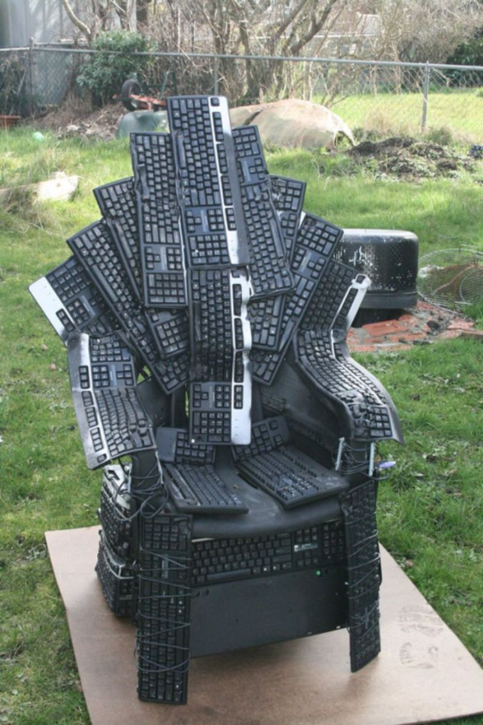 keyboard-throne-1