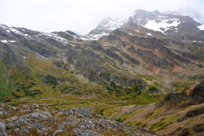 https://i2.wp.com/faimdevoyages.com/assets/uploads/2017/10/vue-sur-la-montagne-et-la-vallee-pres-de-la-laguna-belgica-randonnee-trek-Ushuaia-patagonie-argentine.jpg?w=696&ssl=1