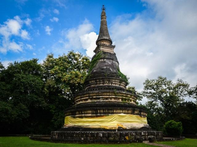 wat u mong stupa