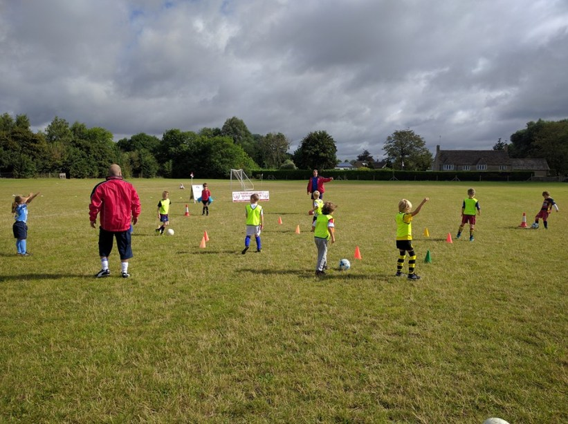 Under 7s in training