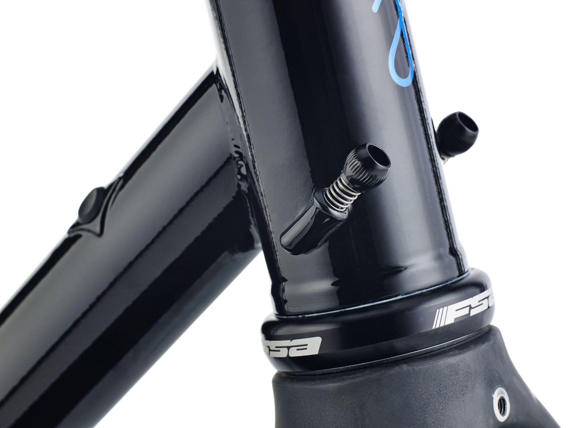 EXTERNAL CABLE ROUTING & DI2 COMPATABLE