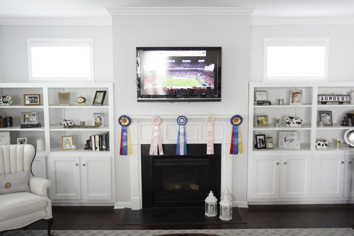 Kentucky Derby Party Decor Using Recycled Horse Show Ribbons   Fairly Southern