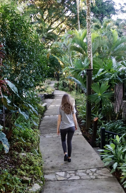 The Best Travel Pants: Athleta Headlands Hybrid Tight Review     Fairly Southern