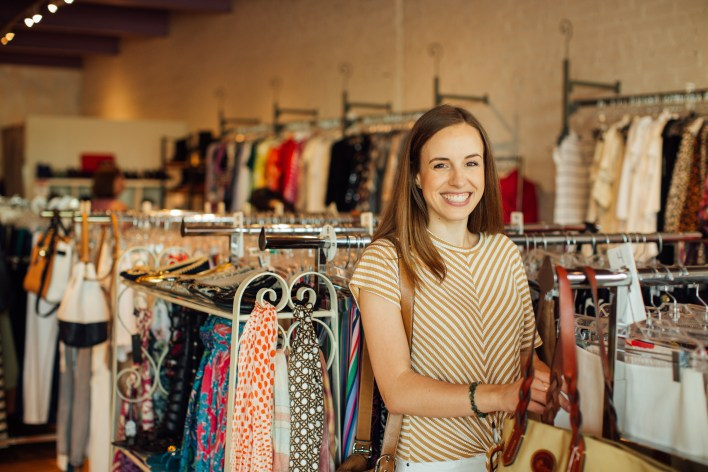 6 Tips for Consignment Clothes Shopping Success  |  Fairly Southern  |  Fifi's Consignment in Raleigh, NC