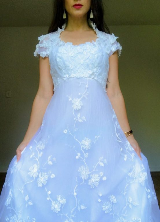 Vintage wedding dress - Southerner Spotlight: Reseller Extraordinaire Holly Taylor  |  Fairly Southern