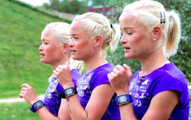 As trigémeas Leina, Liina e Lily da Estónia | Foto: Newsoxy.com