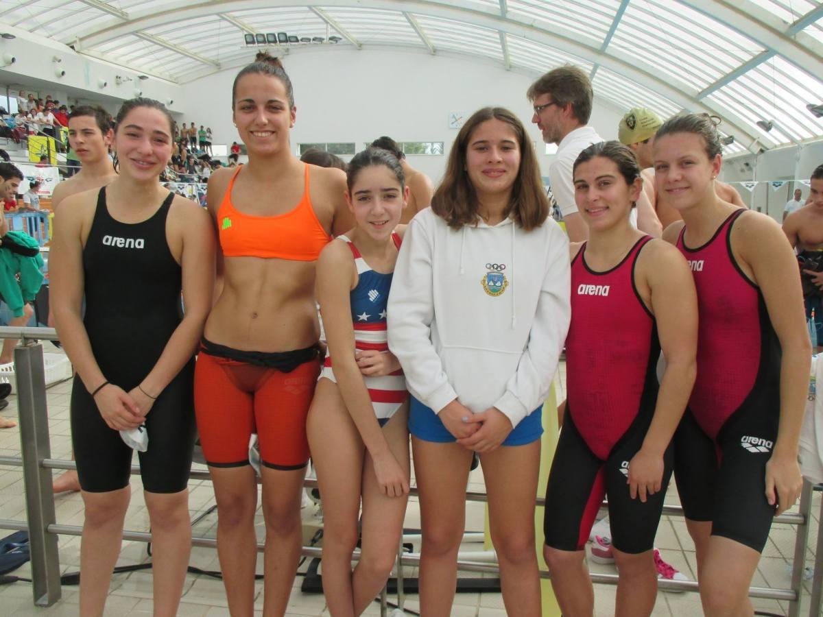 A equipa feminina do CNRM | Foto: Facebook Secção Natação CNRM