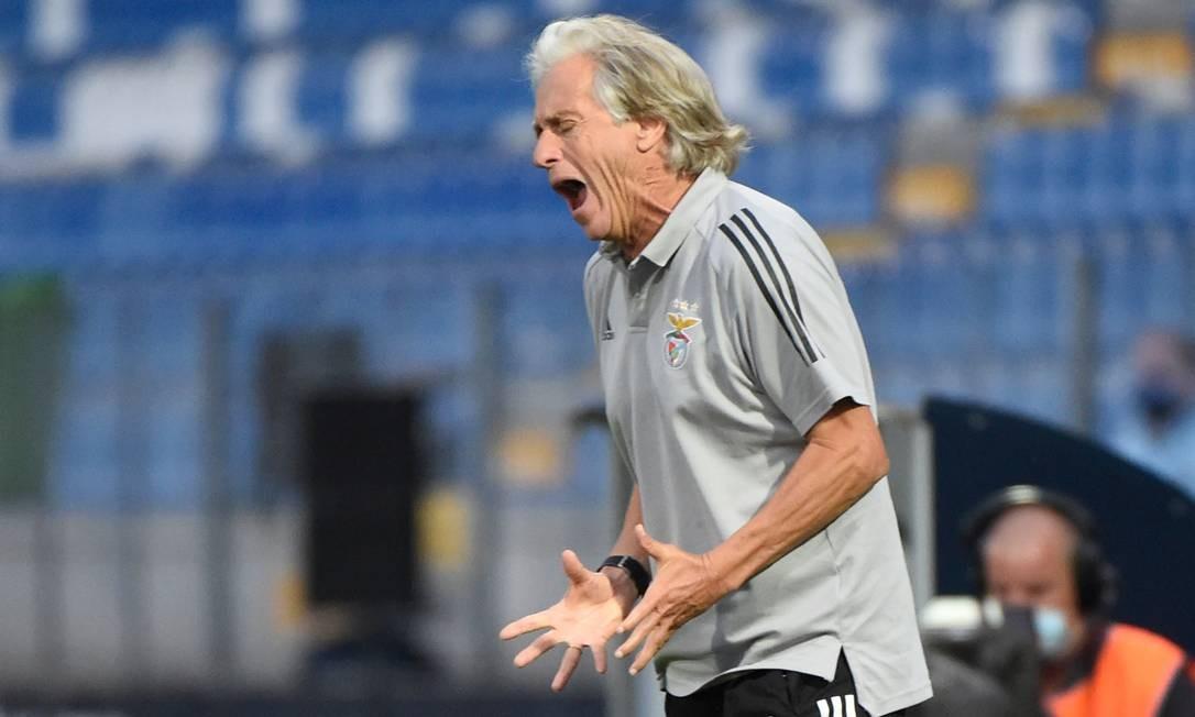 89654369_Benficas-Portuguese-coach-Jorge-Jesus-gestures-during-the-Portuguese-League-football-match.jpg?fit=1086%2C652&ssl=1