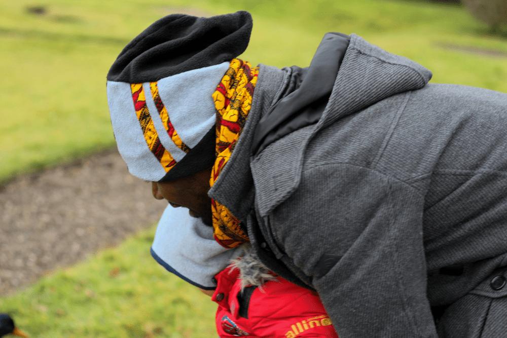 DIY Fashion_Winter-Accessoires_Loopschal + Mütze mit afrikanischem Wax Print Stoff