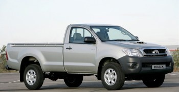Toyota Hilux 4x4 Single Cab Standard 2009 price and specification