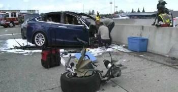 Tesla-model-X-crashed--auto piloting-(2018-news)