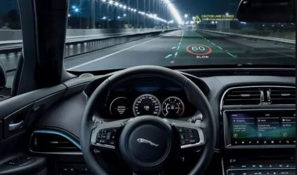 Jaguar The real time navigation is also displayed with real time traffic