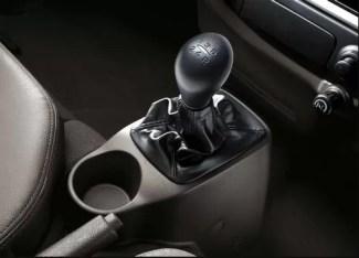 4th Generation Hyundai Porter H 100 Pickup Truck 5 speed manual transmission