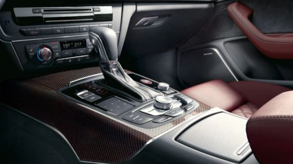 4th generation Audi A6 S6 sedan transmission and center console