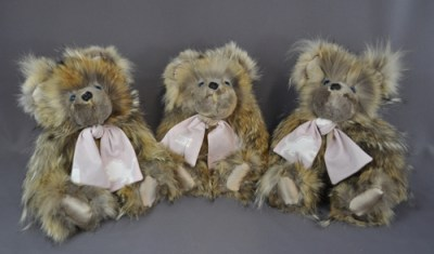 LaCroix bears