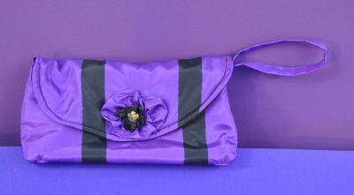 Purple clutch 01