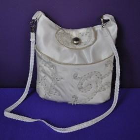 curvy purse 01a