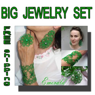 Big jewelry set Emerald