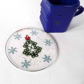 Christmas coasters, tatting in resin