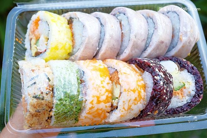 45375568321 5d3704e9d8 b - 大隆路壽司(小丸子壽司)   每天只賣3.5小時,一開店立馬大爆滿、天天大排長龍為了只吃它!