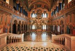 Neuschwanstein, Interior: Sala do Trono