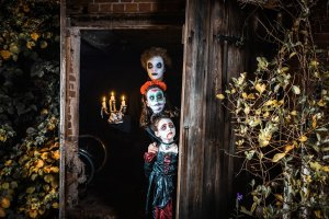 Read more about the article 5 Tips to Celebrate Halloween on a Budget