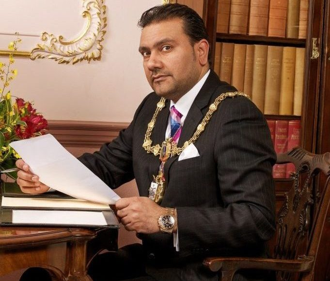Warrington Mayor