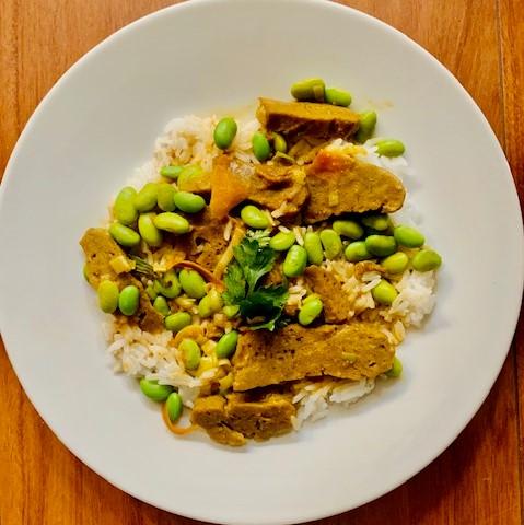 curry japonais végétarien avec du seitan