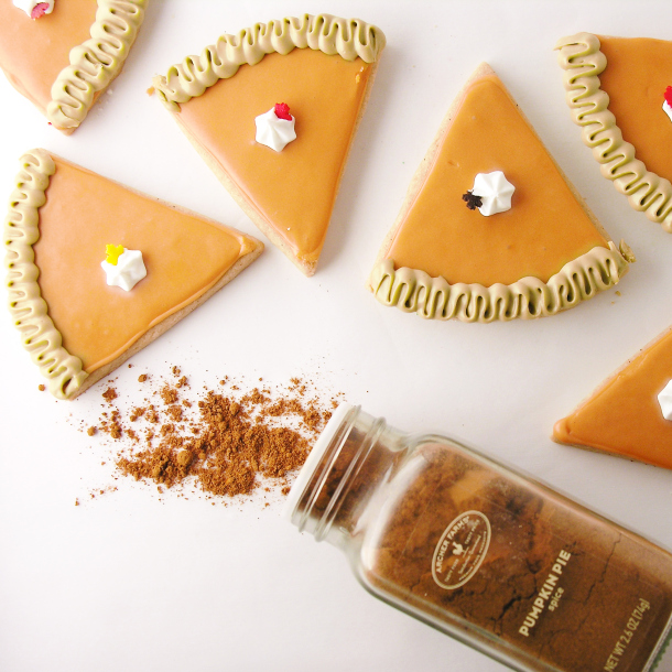 Pumpkin Pie Spice Cookies | Faith, Hope, Love, and Luck Survive Despite a Whiskered Accomplice