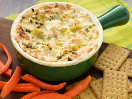 Hot Artichoke Dip - Poinsettia Drive - Welcome to the Friday Frenzy, the best food and craft link party on the web. Visit us this week to see what recipes and crafts we are most excited about.