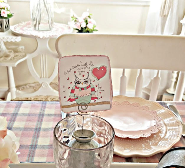 Valentine Tablescape - Penny's Vintage Home - Welcome to the Friday Frenzy, the best food and craft link party on the web. Visit us this week to see what recipes and crafts we are most excited about.