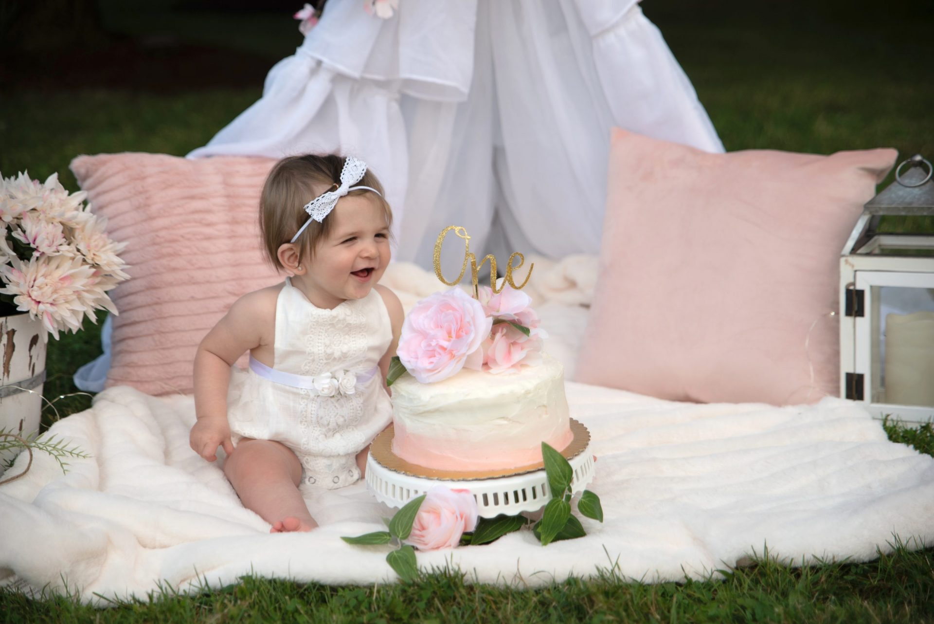 outdoor cake smash pics Cleveland Ohio