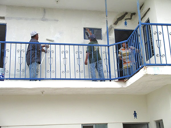Sprucing up the complex in Miguel Aleman