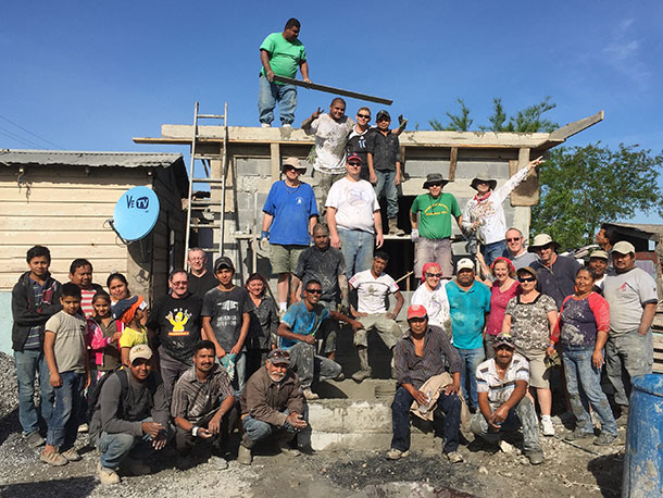 A group after a roof pour in Reynosa