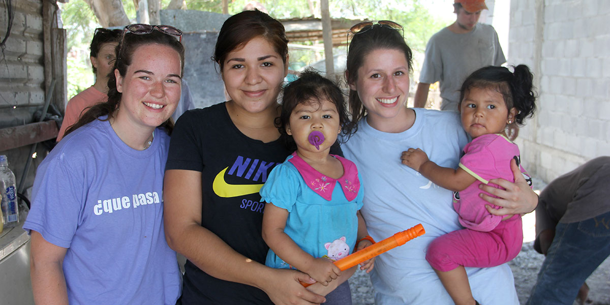 Friends spending together on the jobsite in Reynosa