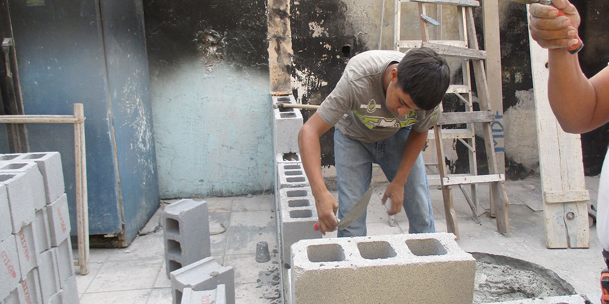 Our apprentice Cristian working in Miguel Aleman