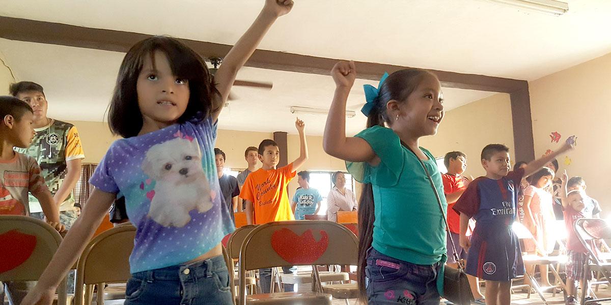 Kids at Vacation Bible School in Naranjito